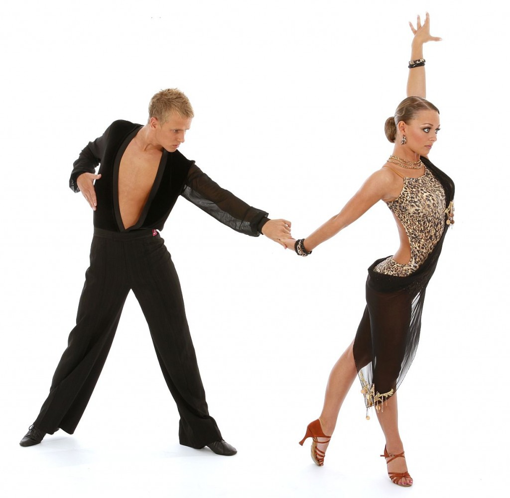 the history and features of the rumba dance History of swing dance thanks for visiting us, this is a very brief history of swing dance the history begins with the original swing era in 1920s and 30s america, when big bands took over pop culture.